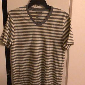 NWOT Old Navy classic striped v-neck t-shirt